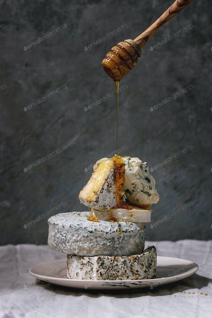 Stapel französischer Käse