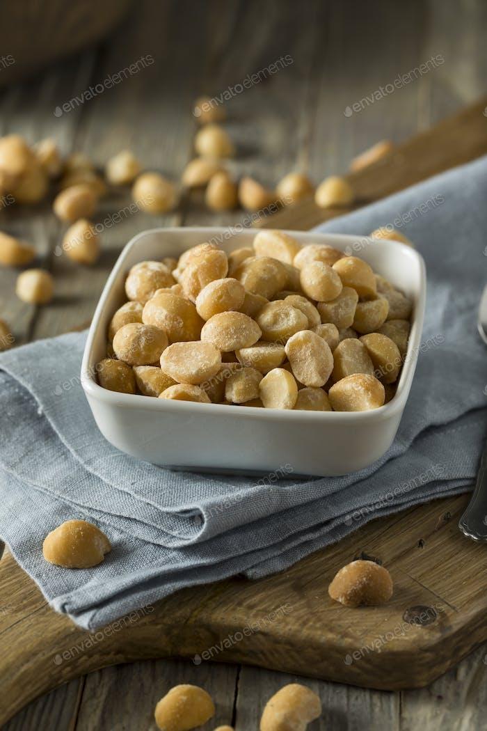 Roasted Macadamia Nuts with Sea Salt
