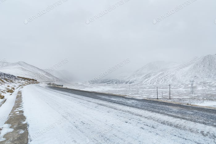 road in snowy weather