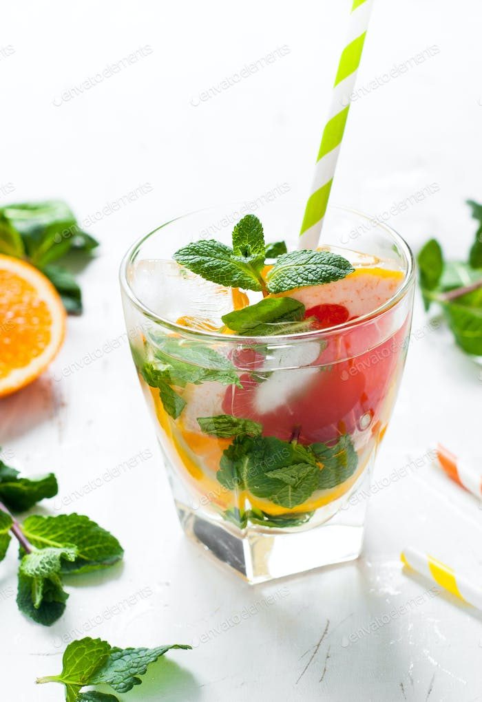 Ice citrus drink