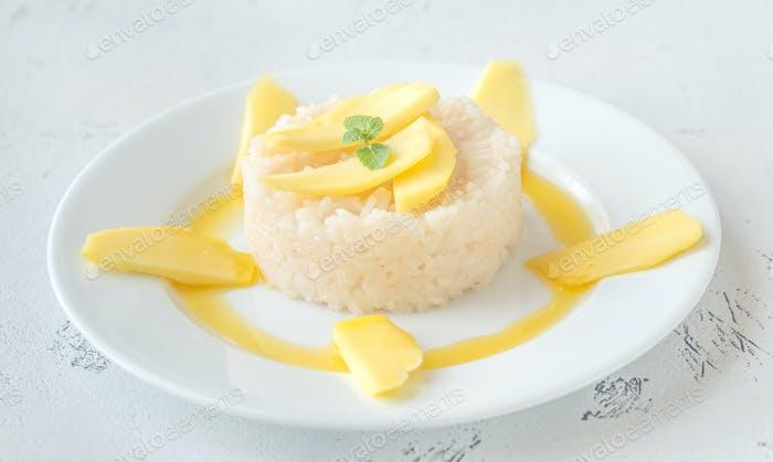 Klebriger Kokosreis mit Mango