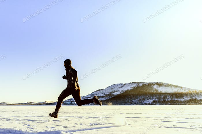 dynamischer männlicher Läufer