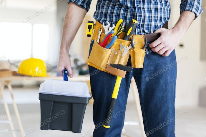 Часть мужского строителя