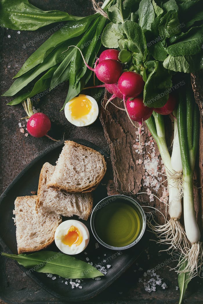 Lunch with vegetables and bread