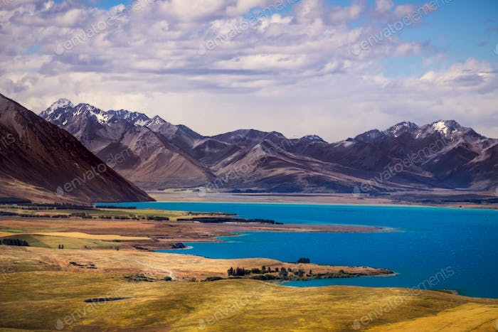 Landscape view of lakes and mountains, Lake Tekapo, New Zealand