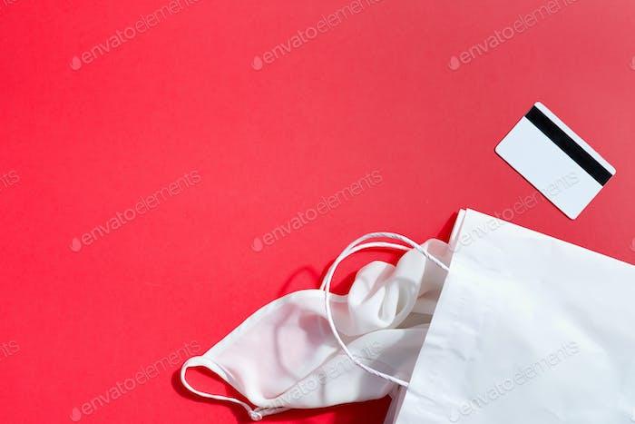 Einkaufs-Papiertüte Mock-up und Pay-Karten