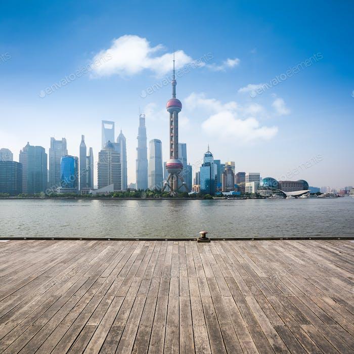 Shanghai Skyline am Tag
