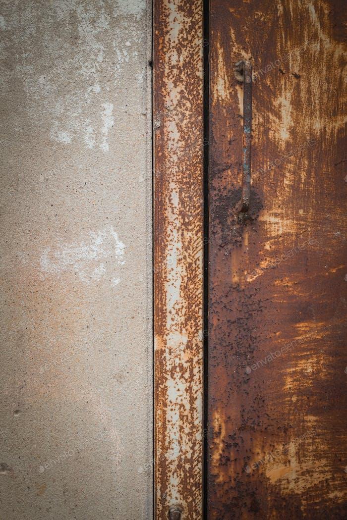Textur der alten eisernen Tore und Wände