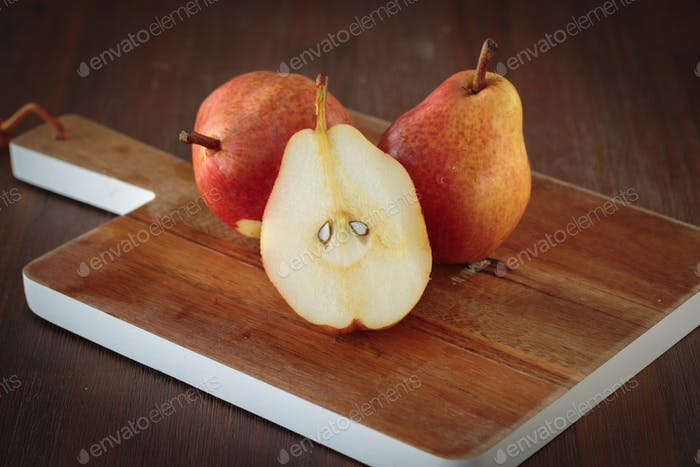 Red williams pear