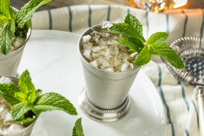 Homemade Kentucky Mint Julep