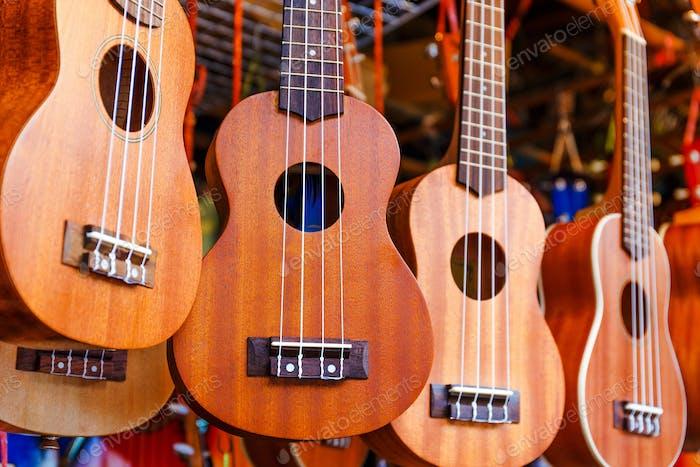 Ukulele Gitarre zu verkaufen