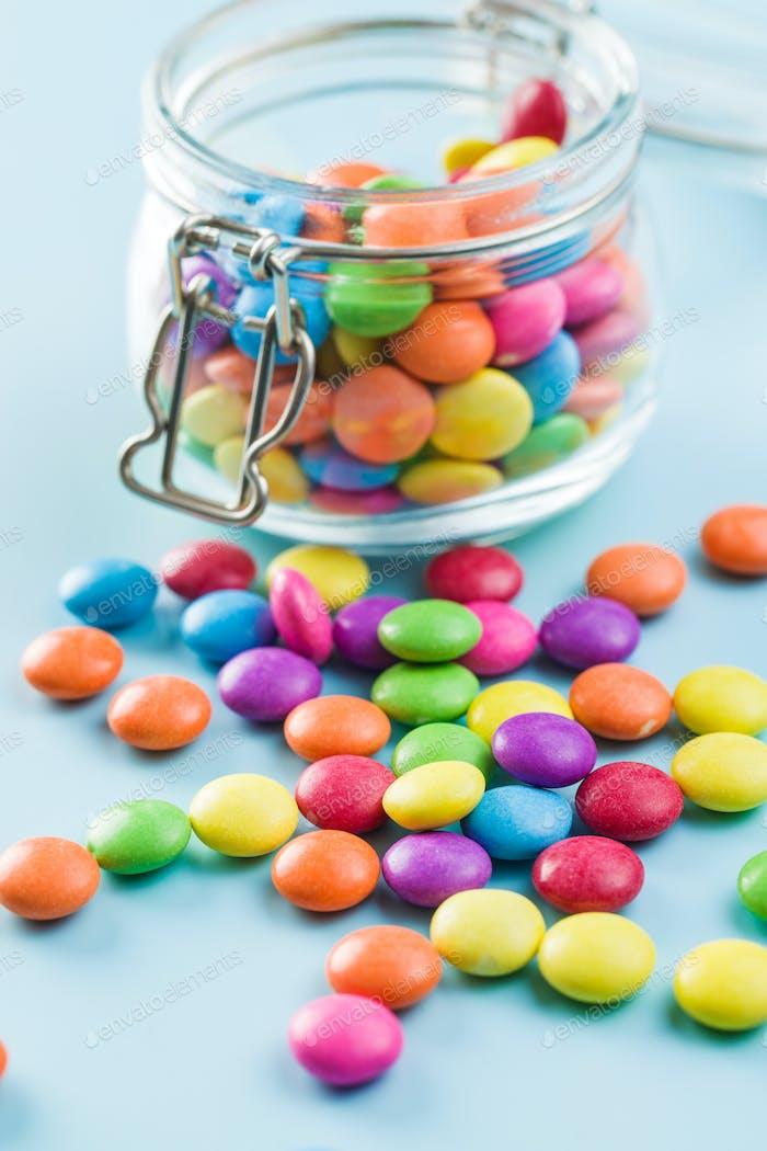 Bunte Schokolade Süßigkeiten Pillen.