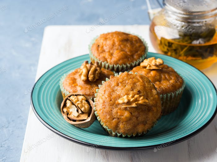 Carrot spiced muffins with walnuts