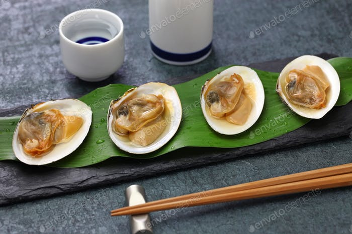steamed saragai(northern great clams) with sake, japanese cuisine