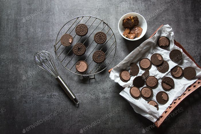 Cookies on grill stand
