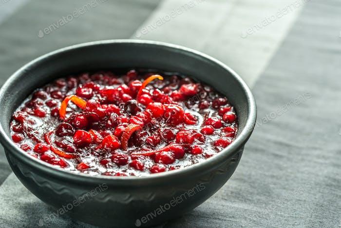 Schüssel hausgemachte Cranberry-Sauce