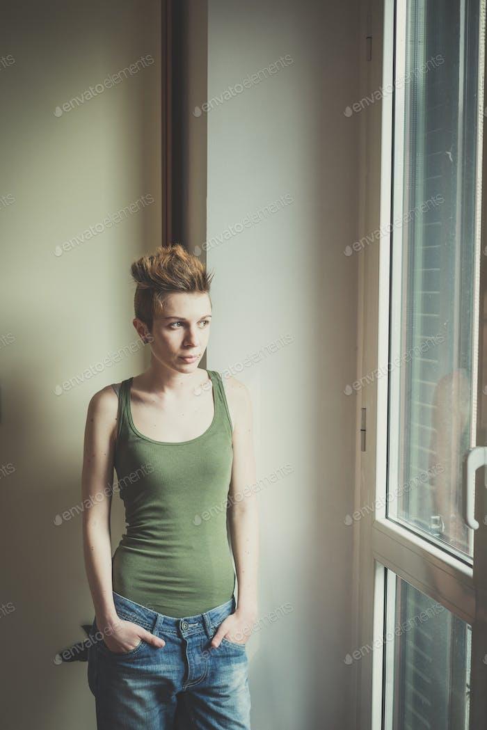 junge Lesben stilvolle Frisur Frau