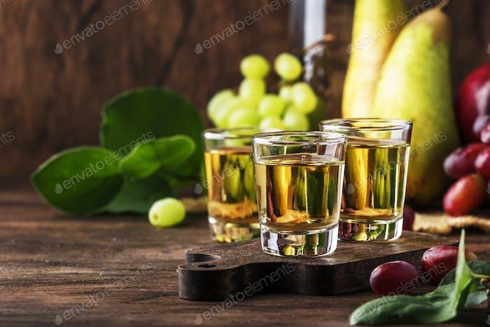 Balkan starkes alkoholisches Getränk