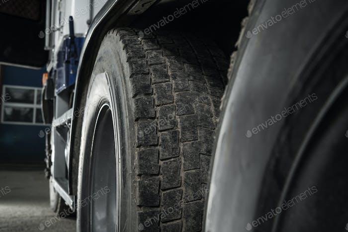 Sattelschlepper Gebraucht Reifenprofil Nahaufnahme