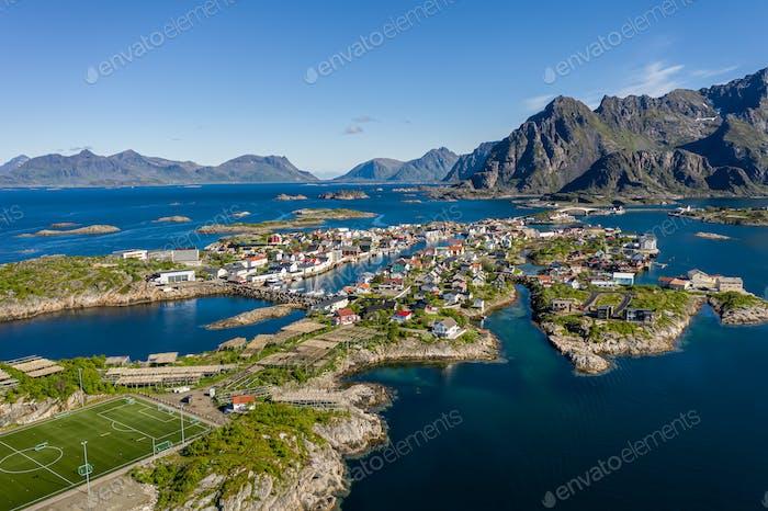 Henningsvaer Lofoten ist ein Archipel in der norwegischen Grafschaft Nordland.