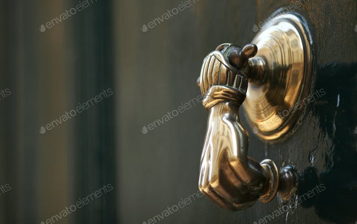 Fancy knocker