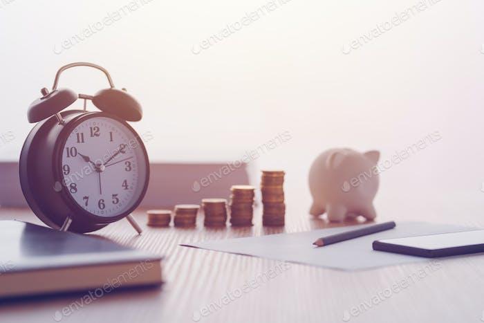 Einsparungen, Finanzen, Wirtschaft und Haushalt