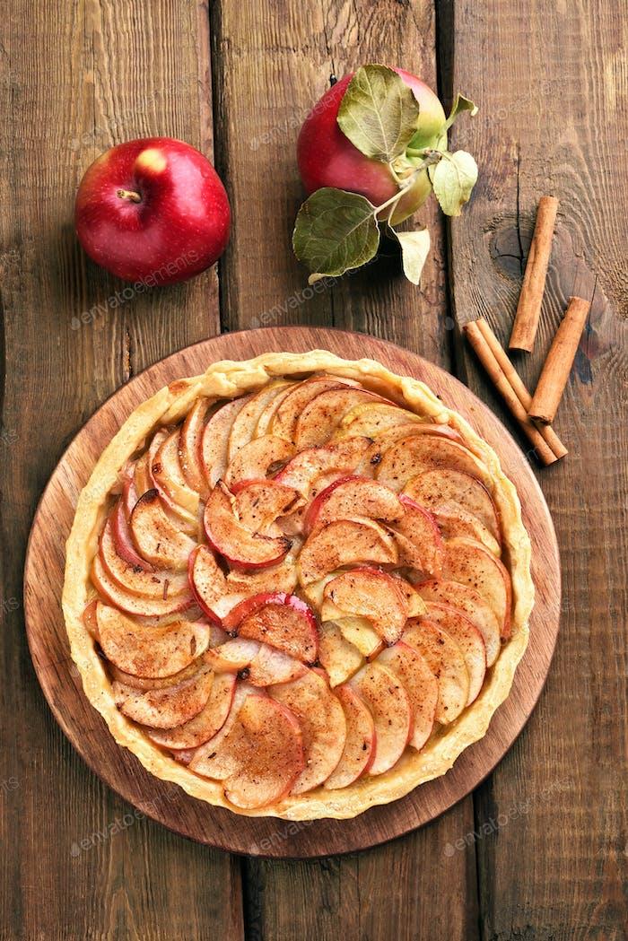 Pie, fresh apples and cinnamon