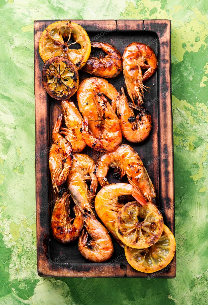 Grilled large prawns