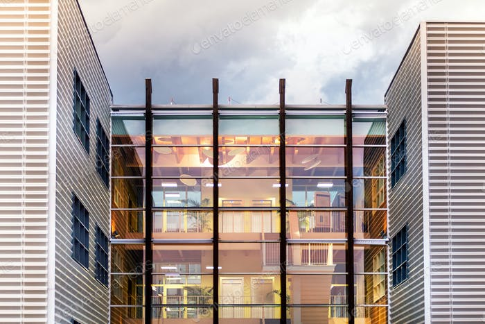 Einzigartiges modernes Bürogebäude