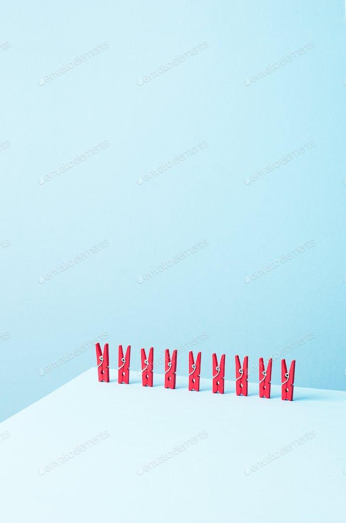 Rote Wäscheklammern