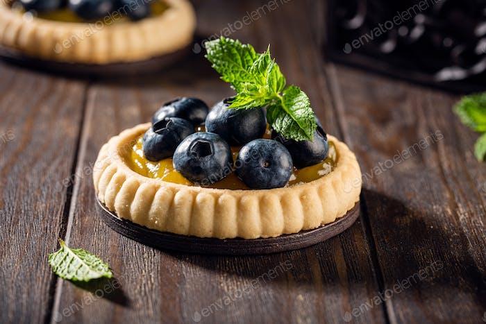 Hausgemachtes Shortbread Törtchen mit Blieberries
