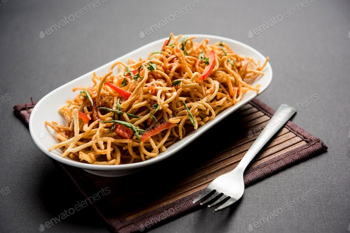 Chinese bhel is a fast food item of Northeast Indian, widely popular in Mumbai