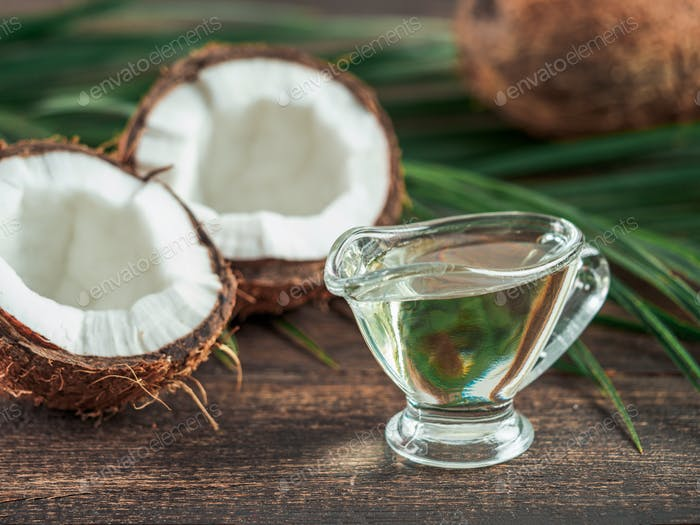 Liquid coconut MCT oil