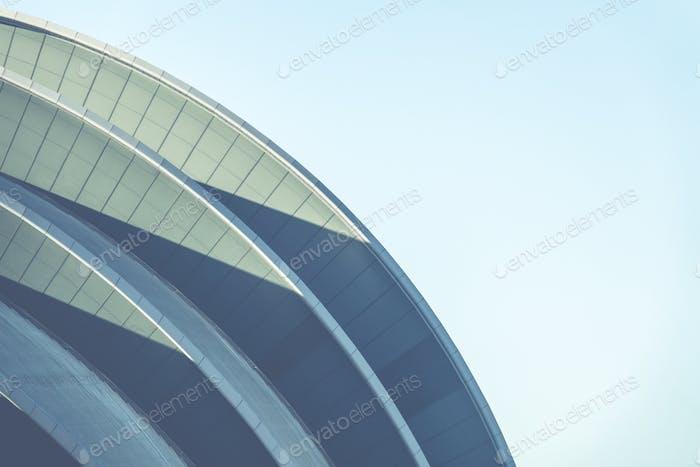Geschwungene moderne Architektur
