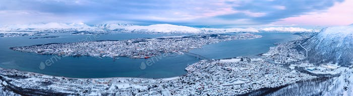 Panoramablick auf Tromsø Stadt Norwegen tagsüber im Winter