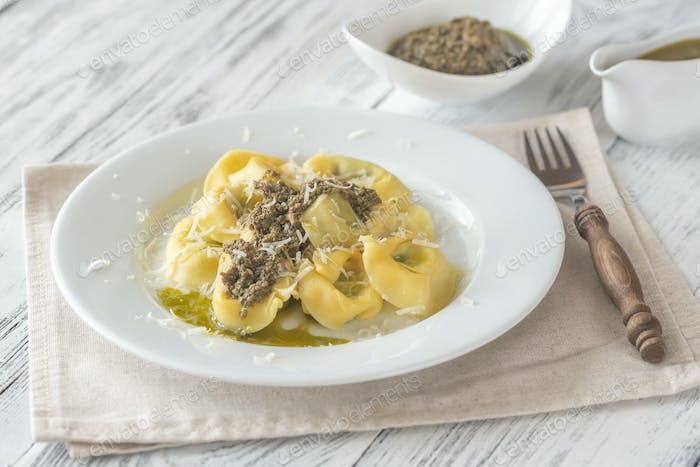Tortelloni stuffed with ricotta with pesto