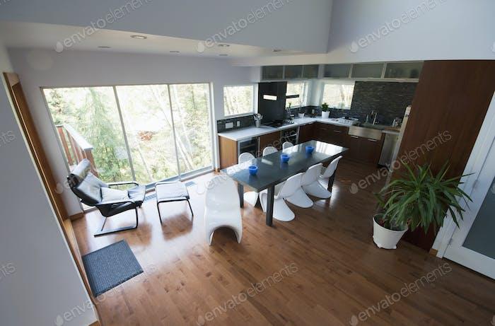 Open plan modern kitchen diner