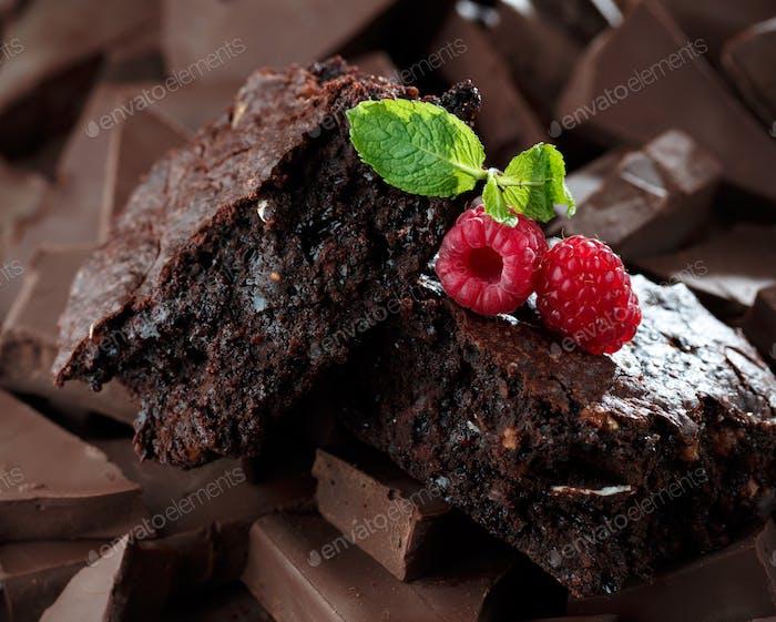 Chocolate brownies with raspberry