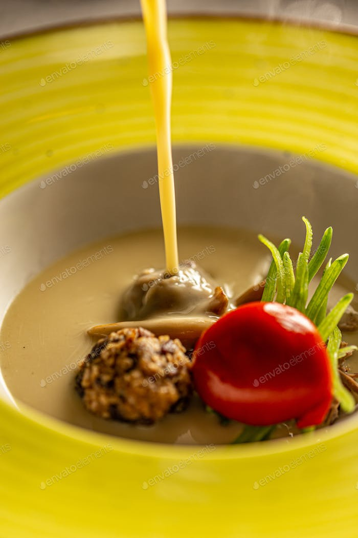 Goose cream soup