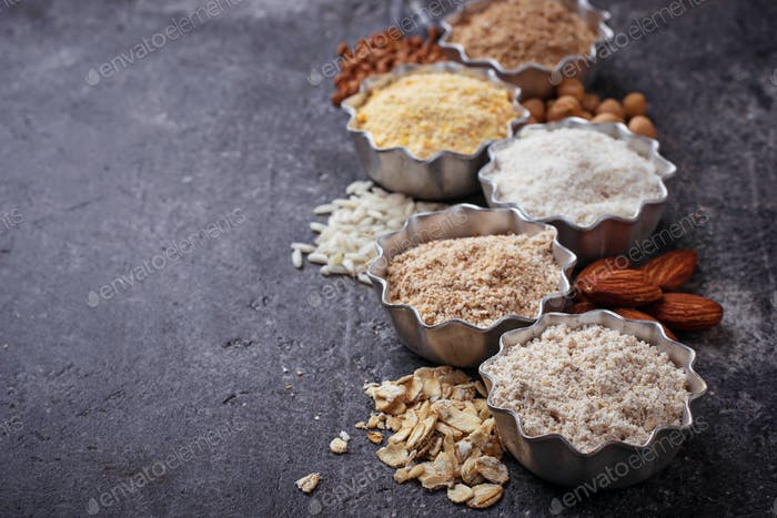 Auswahl von verschiedenen glutenfreien Mehl