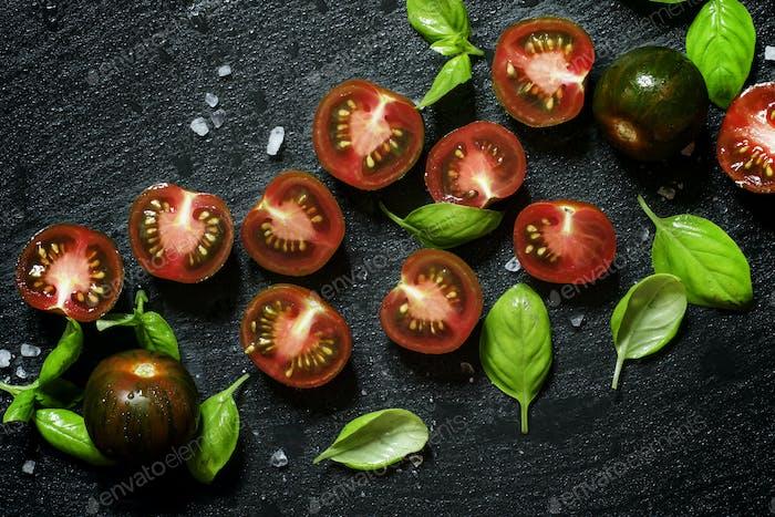 Tomates oscuros