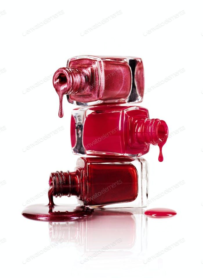 Dripping nail polish