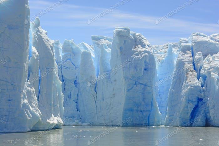 Blaue Eissäulen auf dem Graugletscher