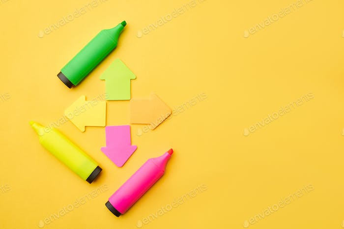 Colorful permanent markers and magnetic arrows