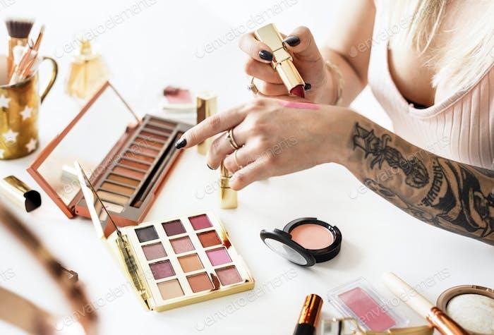 Beauty blogger producing makeup tutorial