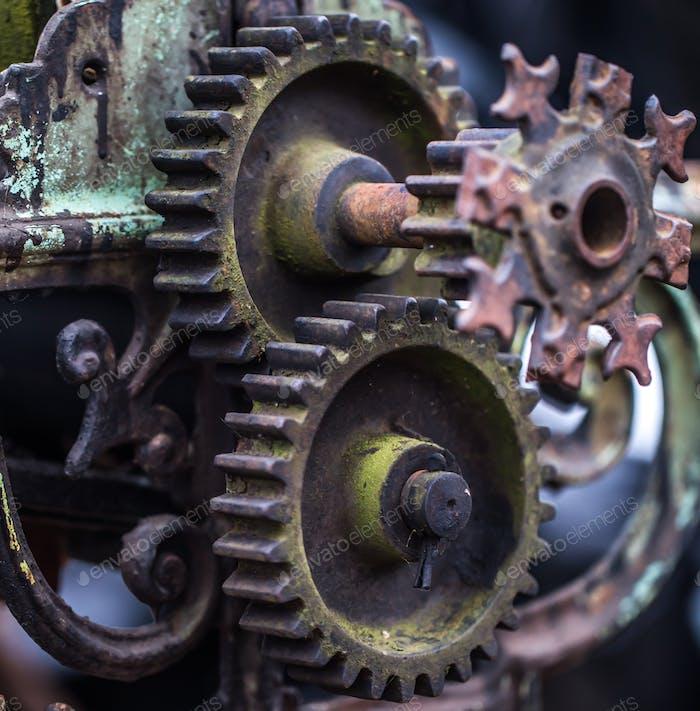 piezas mecánicas antiguas