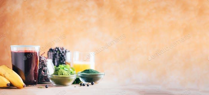 Schwermetalle Detox-Smoothie Heidelbeeren, Heidelbeere, Gerstengras Saft-Extrakt, Spirulina-Pulver