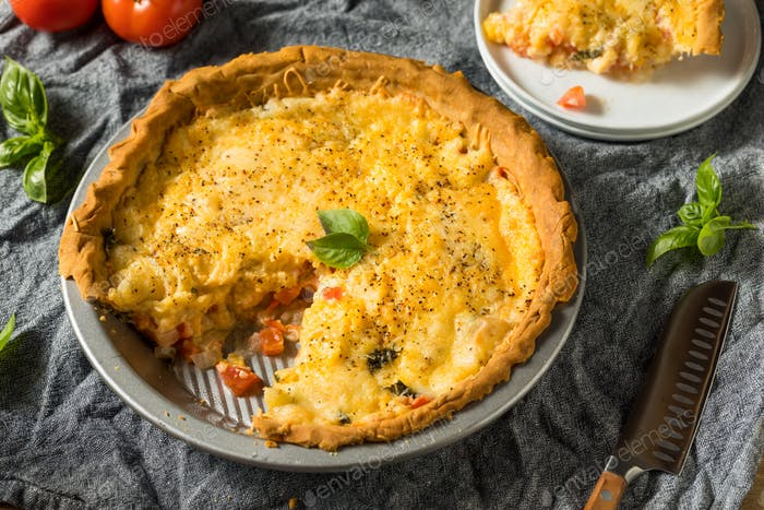 Homemade Cheesy Tomato Pie