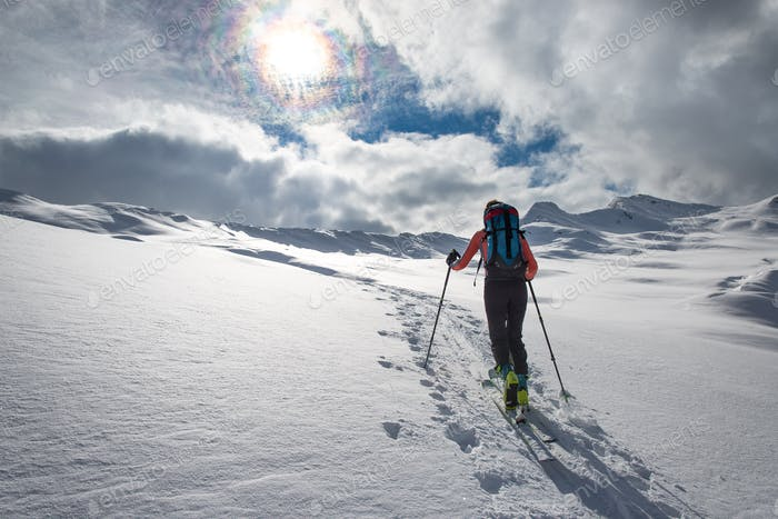 Ascent ski mountaineering