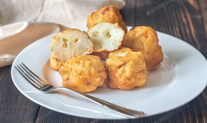 Fried cauliflower coated in batter